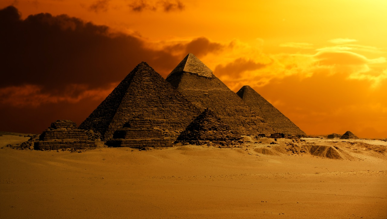 PERSONATGES SINGULARS, PERSONATGES DE L'ANTIC EGIPTE (10:00h)
